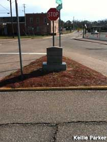 Dothan, Alabama: World's Smallest City Block    A tiny gravel triangle crammed with a stop sign, a yield sign, a street sign, and a tombstone-like marker. For something so small, there's a lot to see