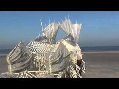 Theo Jansen's wind beasts // Las bestias del viento (esculturas en movimiento); por Theo Jansen