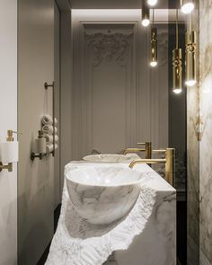 825 отметок «Нравится», 25 комментариев — YØDEZEEN (@yodezeen_architects) в Instagram: «Washbasin in white marble as a visual reference offers a touch of contemporary chic // Photo…»