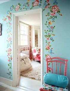 love the wall decor...not a fan of the blue tho...it would be cute if it was a girls room entry (pink not blue)