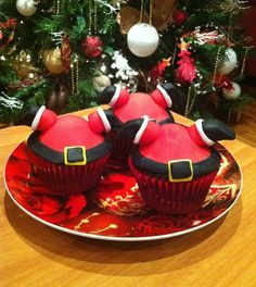 Festive fun... Upside down Santa - For all your cake decorating supplies, please visit craftcompany.co.uk