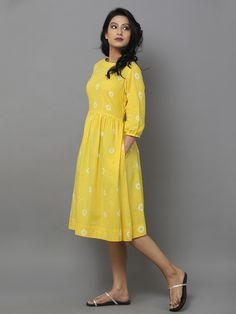 Yellow Cotton Dress with White Stole – The Loom Kurta Designs Women, Kurti Neck Designs, Kurti Designs Party Wear, Stylish Dress Designs, Stylish Dresses, Casual Dresses, Casual Cotton Dress, Cotton Long Dress, Kalamkari Dresses