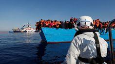 Flüchtlinge: Mehr Menschen fliehen über das Mittelmeer |ZEIT ONLINE