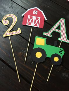 Yellow and Green Tractor Birthday Party von TheCraftyGodMother
