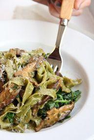 Garlicky Spinach Pasta with Mushrooms Recipe