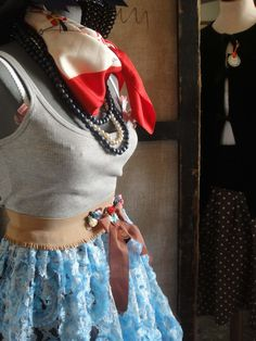 tank top,elastic belt decorated,lace skirt