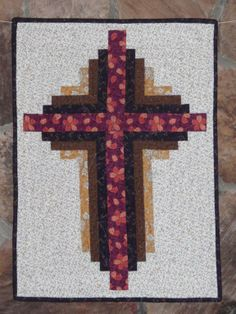 Log Cabin Cross Wallhanging (or make it larger for a lap quilt)