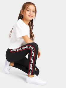 To find out about the Girls Letter Tape Side Leggings at SHEIN, part of our latest Girls Pants & Leggings ready to shop online today! Mädchen In Leggings, Girls In Leggings, Girls Pants, Leggings Fashion, Printed Leggings, Cheap Leggings, Fashion Boots, Fashion Kids, Girls Fashion Clothes