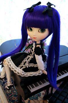 Look at this doll! Sooo cute!!!