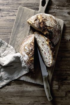 Tuscany's country bread speckled with salted cured pork fat. Country Bread, Sourdough Bread, Yeast Bread, Dessert, Daily Bread, How To Make Bread, Bread Baking, Bread Recipes, Delish