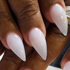 Are you among the many who LOVE this milky white nail from @nunis_nails? Try recreating it yourself with @opi_products GelColor in Funny Bunny!
