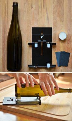 Upcycling: Selbstgemachtes Windlicht aus einer alten Glasflasche   SoLebIch.de Wine Rack, Diy And Crafts, Upcycle, Container, Storage, Glass, Furniture, Home Decor, Outdoor