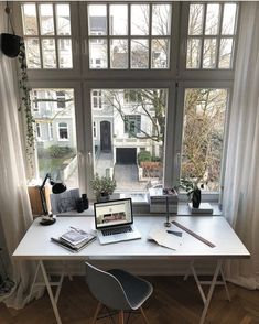 Home office lighting ideas to brighten up your work space – Shopy Homes – Office Design 2020 Home Office Design, Home Office Decor, House Design, Home Decor, Office Ideas, Office Setup, Office Workspace, Ikea Office, Future Office