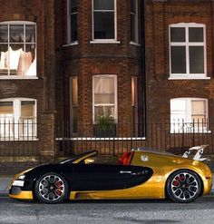 Stunning Bugatti Veyron Photo's. Pictures of every model in High Definition for use on Twitter, Pinterest, Instagram, Tumblr, free of charge, check it out. http://svpicks.com/bugatti-veyron-photos-hd/