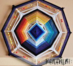 Risultati immagini per mandala tejido 6 puntas Mandalas Painting, Mandalas Drawing, God's Eye Craft, Spiritual Eyes, Gods Eye, Medicine Wheel, Creative Workshop, Weaving Art, Mandala Pattern