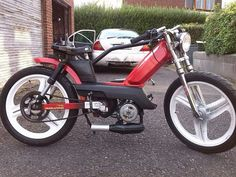 103spx NB moped chow art et mécanique