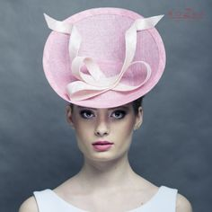 Pink saucer hat, hat with modern bow, race pink fascinator, modern... ($151) ❤ liked on Polyvore featuring accessories, hats, bow hat, couture hats, pink hat, block hats and fascinator hat