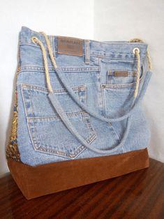 Denim Backpack, Denim Purse, Denim Handbags, Purses And Handbags, Diy Sac, Jean Purses, Bag Women, Denim Ideas, Diy Handbag