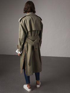 Side-slit Tropical Gabardine Trench Coat in Chalk Green - Women | Burberry Australia - cell image 2