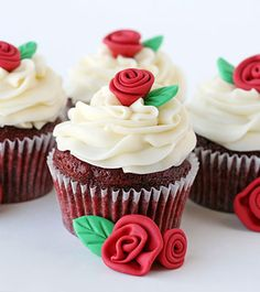 Cupcakes at Jolly Good Fellows in Lake Forest, IL 270 Market Square 847-861-2000