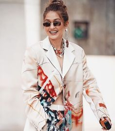 Gigi Hadid's Jewelry Style Is More Affordable Than You Think - Gigi Hadid's jewelry style pairs a dangling toy car earring with a pearl drop. Earring Trends, Jewelry Trends, Celebrity Jewelry, Celebrity Style, Turquoise Eyes, Bronze, Holiday Jewelry, Affordable Jewelry, Supermodels