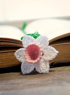 Crochet Daffodil Flower Bookmark Pink Center