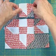 This is a disappearing hourglass block. The full video is on my blog. Link in profile. #sewing #sewingvideo #videotutorial #disappearinghourglass #slicedblock #patchwork #quilt #quilting #craft