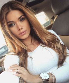 Uploaded by Find images and videos about girl, hair and beauty on We Heart It - the app to get lost in what you love. Caramel Hair, Brown Blonde Hair, Light Hair, Hair Dos, Gorgeous Hair, Balayage Hair, Pretty Hairstyles, Dyed Hair, Hair Inspiration