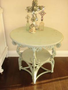 Rachel Ashwell table....want it!!!