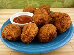Growing up, who didn't adore eating chicken nuggets? They're tasty and fun to dunk into sauces. Check out this vegan version and start dipping!