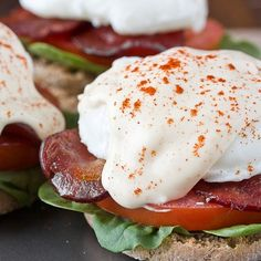 Recipe: Lighter Eggs Benedict with Mock Hollandaise Sauce — Recipes from The Kitchn. I wonder if vegan mayo would work in the mock hollandaise. Egg Recipes For Breakfast, Brunch Recipes, Breakfast Sandwiches, Breakfast Ideas, Brunch Food, Mexican Breakfast, Brunch Ideas, Dinner Recipes, Gastronomia