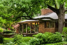 A restored William Bernoudy ranch home in Ladue, MO.