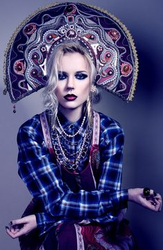 Model in a kokoshnik. Fashion photograph.