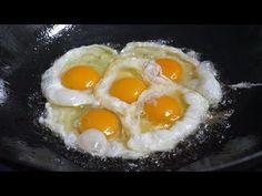 반숙 계란후라이 중화 볶음밥 / fried egg on fried rice - korean street food - YouTube Arroz Frito, Egg Recipes, Asian Recipes, World Street Food, Filipino Breakfast, Crab Fries, Shrimp Fried Rice, Huevos Fritos, Korean Street Food