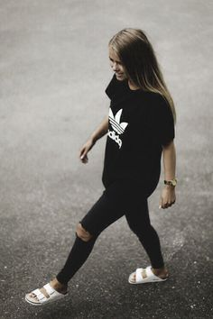 ❤️All black addidas tshirt and skinny torn jeans❤️ @dear_blackbird_boutique