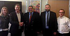 Rencontre hier entre Diego Salazar & le DG de l'@UCPA_Vacances, Guillaume Légaut, pour concrétiser un partenariat http://www.echecs.asso.fr/Actu.aspx?Ref=8490