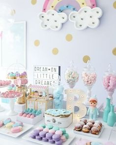 baby shower ideas for girls and boys. Baby shower decorations and baby shower decor Rainbow Birthday Party, Unicorn Birthday Parties, First Birthday Parties, Babyshower Party, Baby Party, Girl First Birthday, Baby Birthday, Birthday Ideas, Baby Shower Unicornio