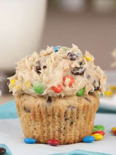 Monster Cookie Dough Cupcakes by Wishes and Dishes. Idea: Bake chocolate cupcakes and just use monster cookie dough as frosting. Monster Cookie Dough, Cookie Dough Cupcakes, Yummy Cupcakes, Butter Cupcakes, Monster Cupcakes, Rolo Cupcakes, Pudding Cupcakes, Lime Cupcakes, Mocha Cupcakes