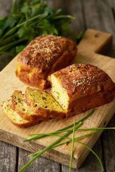 Hartige cake met courgette en geitenkaas - Dishcover Ingrid, Homemade Art, Meatloaf, Baked Potato, Banana Bread, Cheesecake, Food And Drink, Lunch, Snacks