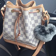 Louis Vuitton Handbags, Purses And Handbags, Hype Bags, Luxury Bags, Purse Wallet, Fashion Bags, Fashion Accessories, Wallets, Pink Bags