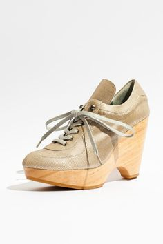 I love these shoes! #shoes #fashion #durbuy #koshka #wood #highheels #metallic #heel $565