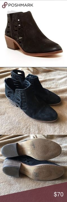 Vince Camuto Peera Booties Adorable booties for transition into cold weather. These are in excellent condition. The right boot has a small whitish mark, which is visible in the photos.  Accepting reasonable offers! 😊 Vince Camuto Shoes Ankle Boots & Booties
