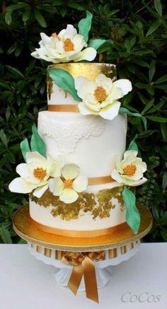 southern+magnolia+wedding+cake++-+Cake+by+Lynette+Brandl