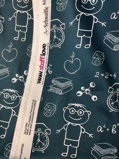 Diesen Stoff kann man in jeder Wunschfarbe passend zum Ranzen und zur Einschulung bestellen. Mit dem Baumwollstoff wird der Schulanfang einfach perfekt. Vektor Muster, Alexander Mcqueen Scarf, Pattern, Classroom Supplies, Back To School, Cotton Textile, Entering School, School, Simple