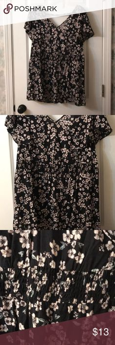 Black floral tunic Black floral tunic from Torrid. Size 2 (20/22). Never worn. torrid Tops