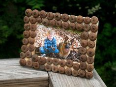 Acorn Picture Frame - soooo cute - and just as fun to collect the acorns as to make it