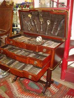 faqueiro em prata portuguesa com movel estojo 178 peças