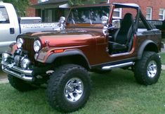 Sweet Jeep 83 - love the candy coat! Hull Truth - Boating and Fishing Forum Cj Jeep, Jeep Wrangler Yj, Jeep Cars, Jeep Truck, Ford Trucks, Jeep Ika, Badass Jeep, Jeep Accessories, Wrangler Accessories