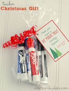 Gifts For Teacher Christmas Gift for teachers- dry erase marker set. Teacher Christmas Gifts, Holiday Gifts, Christmas Diy, Christmas Presents For Teachers, Teacher Presents, Small Christmas Gifts, Staff Gifts, Small Gifts For Teachers, Homemade Gifts For Teachers