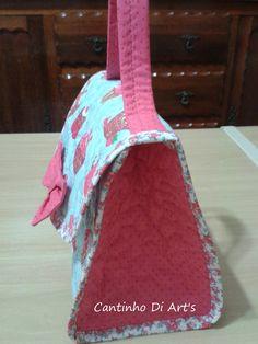 Lancheira tecido 100% algodão, forrada e revestida com manta estruturada.  Tamanho: 20 x 19 x 12 cm (CxAxP)